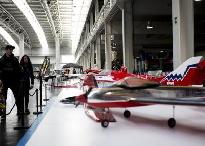 Los aviones en miniatura despertaron el interés de los visitantes. Club As Gaviotas