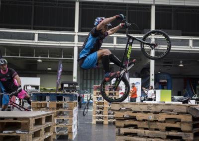 Dani de Trial Bici Coruña durante la exhibición